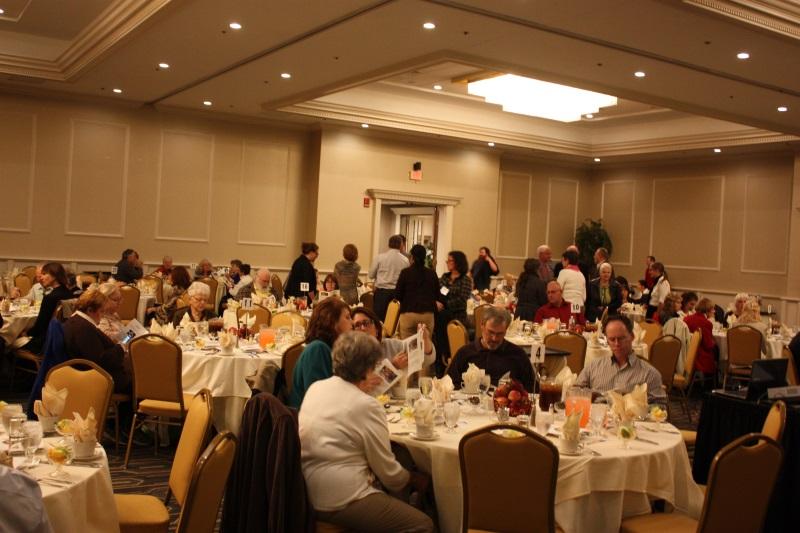 banquet_guests_800x533